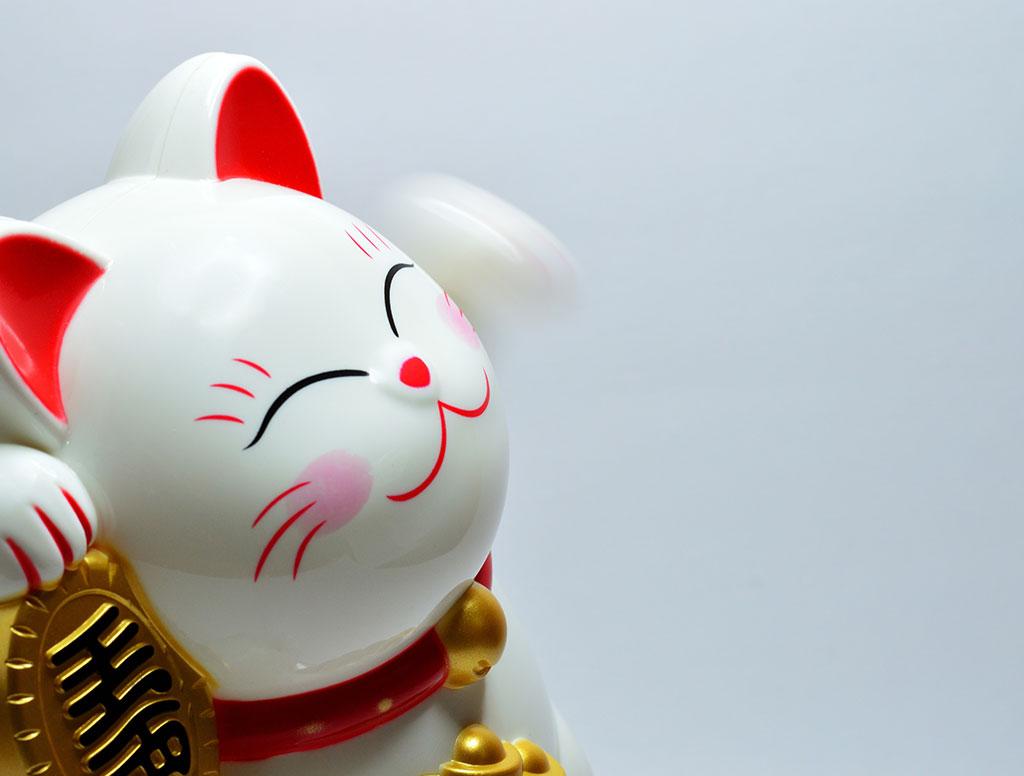 Chinese waving cat statue